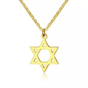 ✨✨Gold Star Of David Necklace✨✨